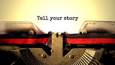 صورة سرد القصص المؤثرة لجذب اهتمام الناس للقضايا الاجتماعية